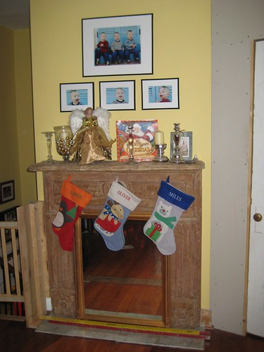 The mantle, all decorated