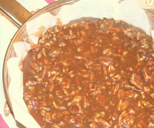 praline in pan
