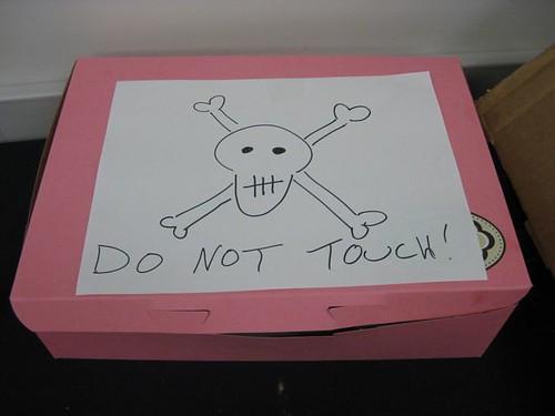 Hello, Cupcake - Warning