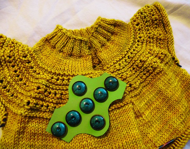 yoke with buttons