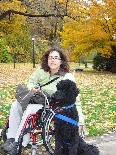 Yankee en Leen bij een park tegen de Niagara Falls