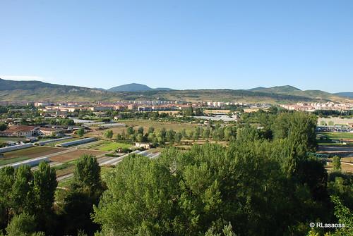 Vista de las huertas de la Magdalena y parte de la la Cuenca de Pamplona desde el mirador del Parque de la Media Luna