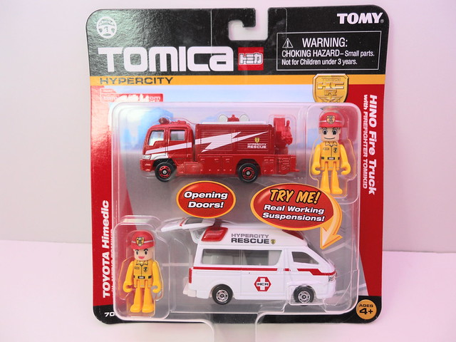 tomica tomy hino firetruck 2 car set (1)