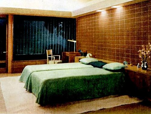 Bedroom (1947)