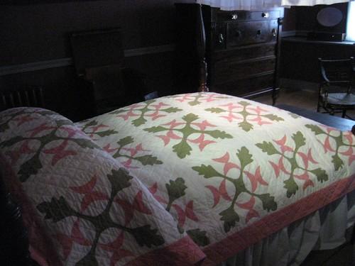 oak-leaf-and-reel-quilt