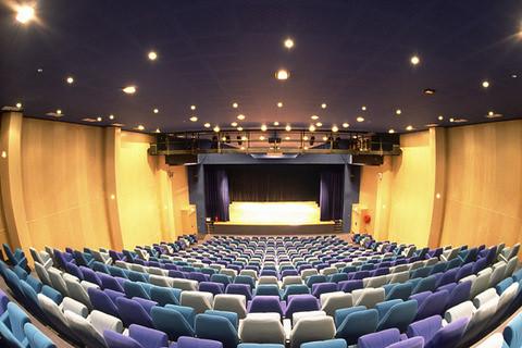 Sala de cine (3) por ti.