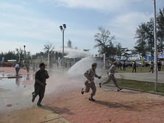 We wonderd why they had watercanons in the line up for the simulasi, now we know, they needed it to simulate the tsunami