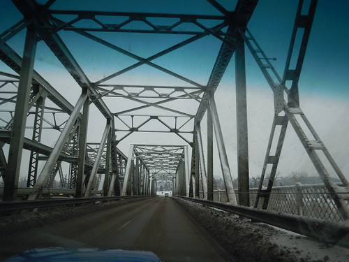 low level bridge crossing