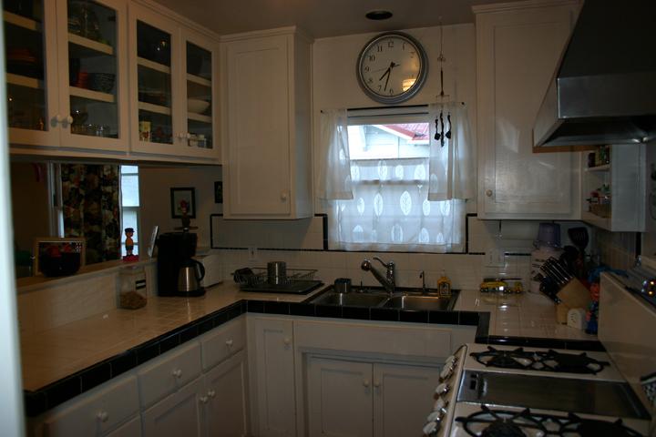 kitchen-in-white