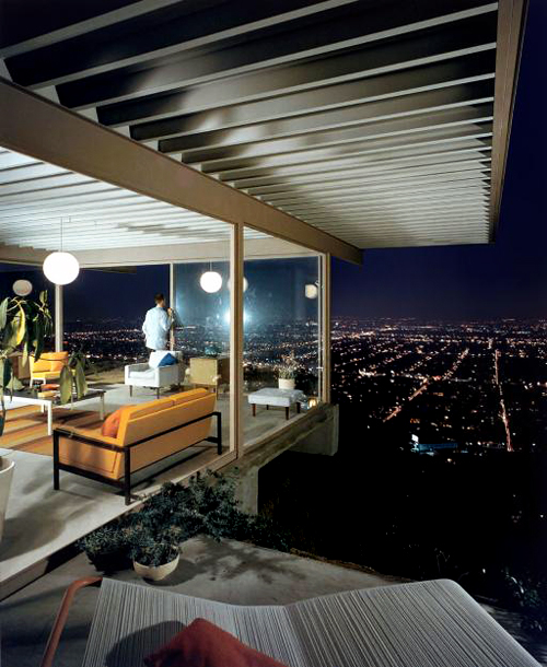 Photo by Julius Shulman