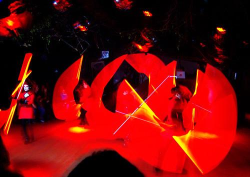 20091029 - Spooky - GEDC0488 - dancers, lightsabers