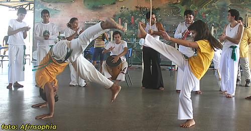 Capoeira Oxalá 01 por você.