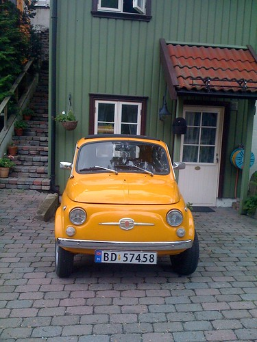 Yellow Fiat in Drøbak