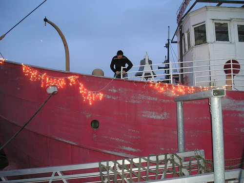 Lighting up the Lightship at Lake Union Park