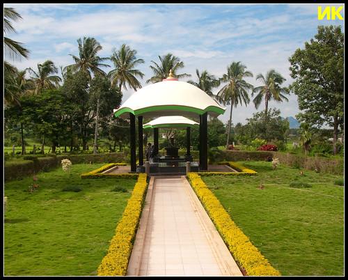 A memorial to Sir MV at Muddenahalli