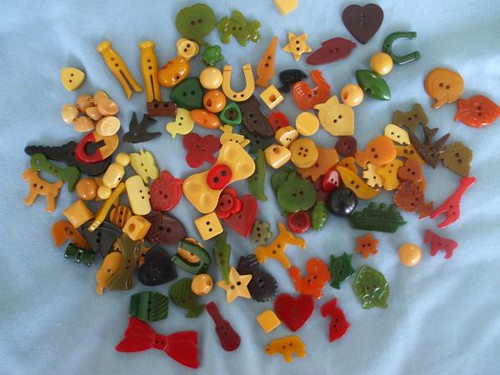 Marty's vintage button collection - colorful Bakelite