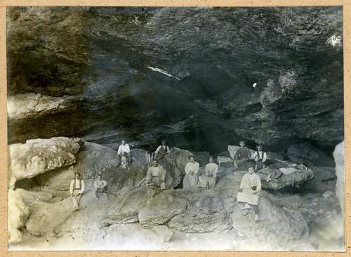 ADACAS - 08-2: Cuevas de Chaves, Bastarás, Huesca. 1921-1924