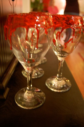 Vampire Blood Wine Glasses | New Moon Party: T...