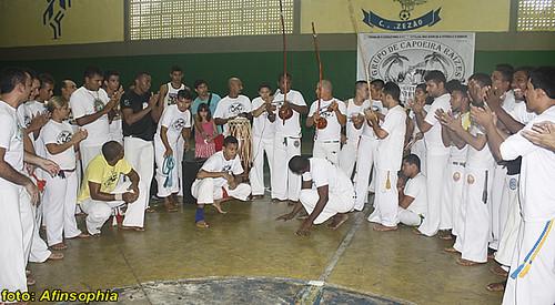 Capoeira Raízes 09 por você.