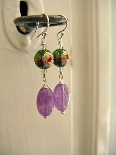 Delish earrings in lilac