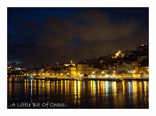 De noche en el río (Oporto)