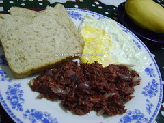 Corned beef, 2 loaves of wheat bread, egg and manggo