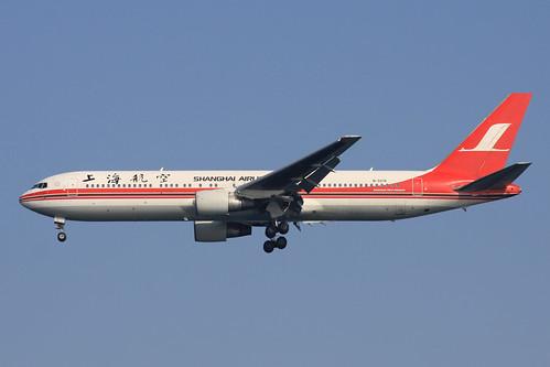 Shanghai Airlines B767-300ER(B-5018)