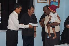 Sumbangan untuk mangsa kebakaran Bukit B - Raja Nong Chik