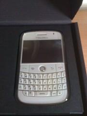 White Blackberry Bold