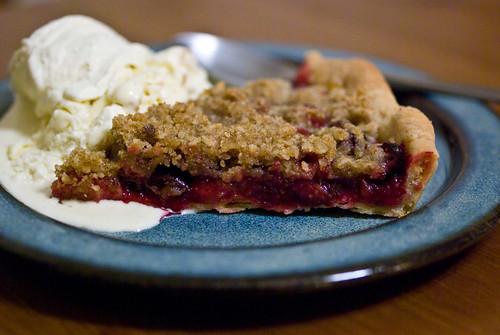 cranberry crumble tart