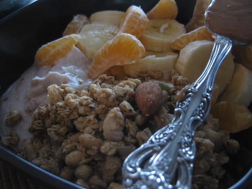 Ginger Granola, Greek Yogurt, Banana, Cutie & AB spoon