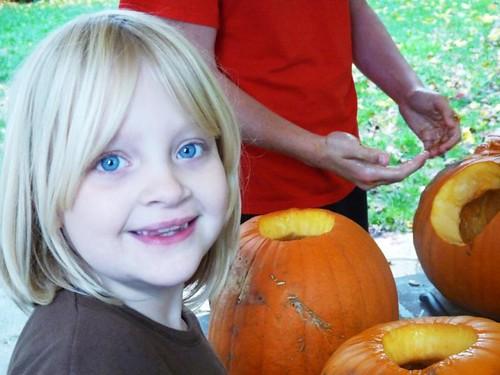 Carving Pumpkins 008