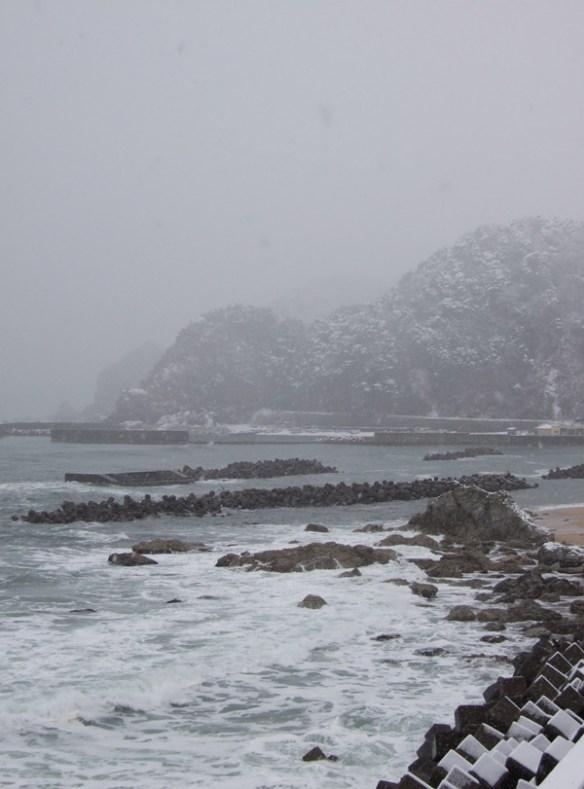 The snowy Sea of Sasagawanagare
