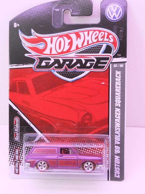 hot wheels garage '69 custom volkswagen squareback (1)
