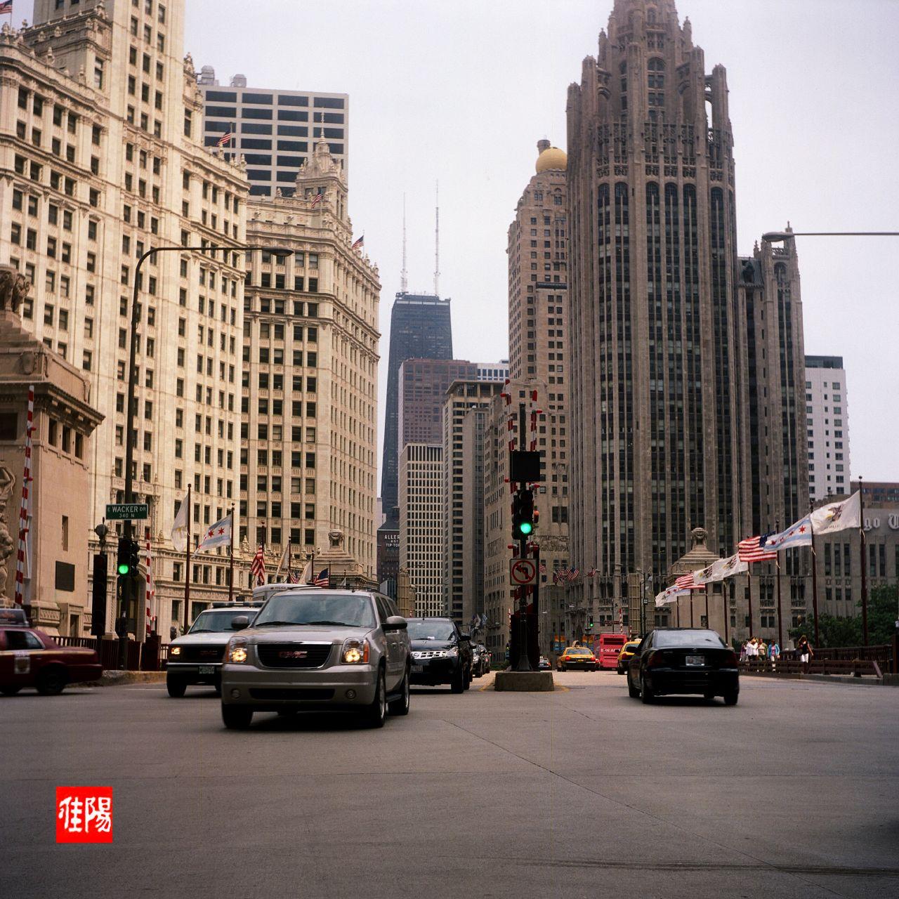 ArgusAF40_Chi-Michigan&Wacker_North01