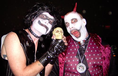 20091030 - Hell Ball - GEDC0645 - a skull named 'Kipp'