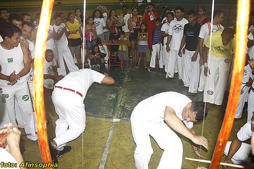Capoeira Raízes 02 por você.