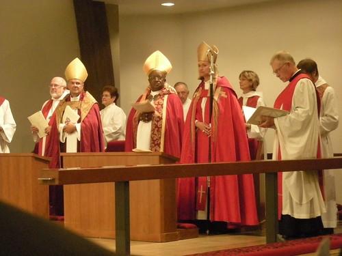 Three Bishops, End of Installation Service, St. Andrew's Saratoga California, Mary Gray-Reeves, Gerard Mpango, Michael Perham photo: copyright 2009 Katy Dickinson