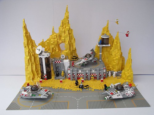 LEGO space base
