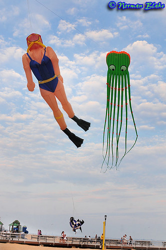 Skydiving in Coney Island? © 2009 Norman Blake by NB Photo Flash via flickr. All rights reserved