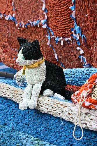 A seafaring fibre feline