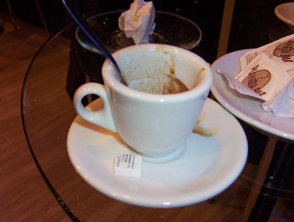 Nà tazzuriell'e caffè