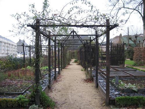 Jardin medieval Locmaria