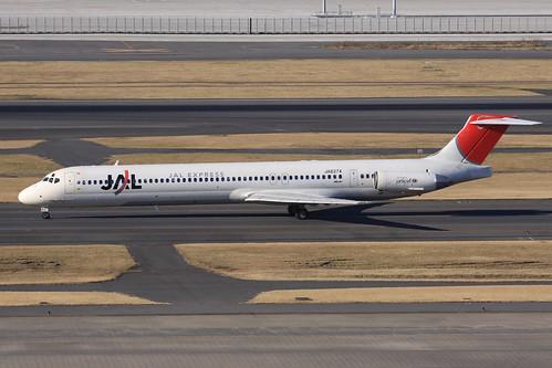 JAL MD-81(JA8374)