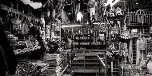 handicrafts centre also called Filipino market