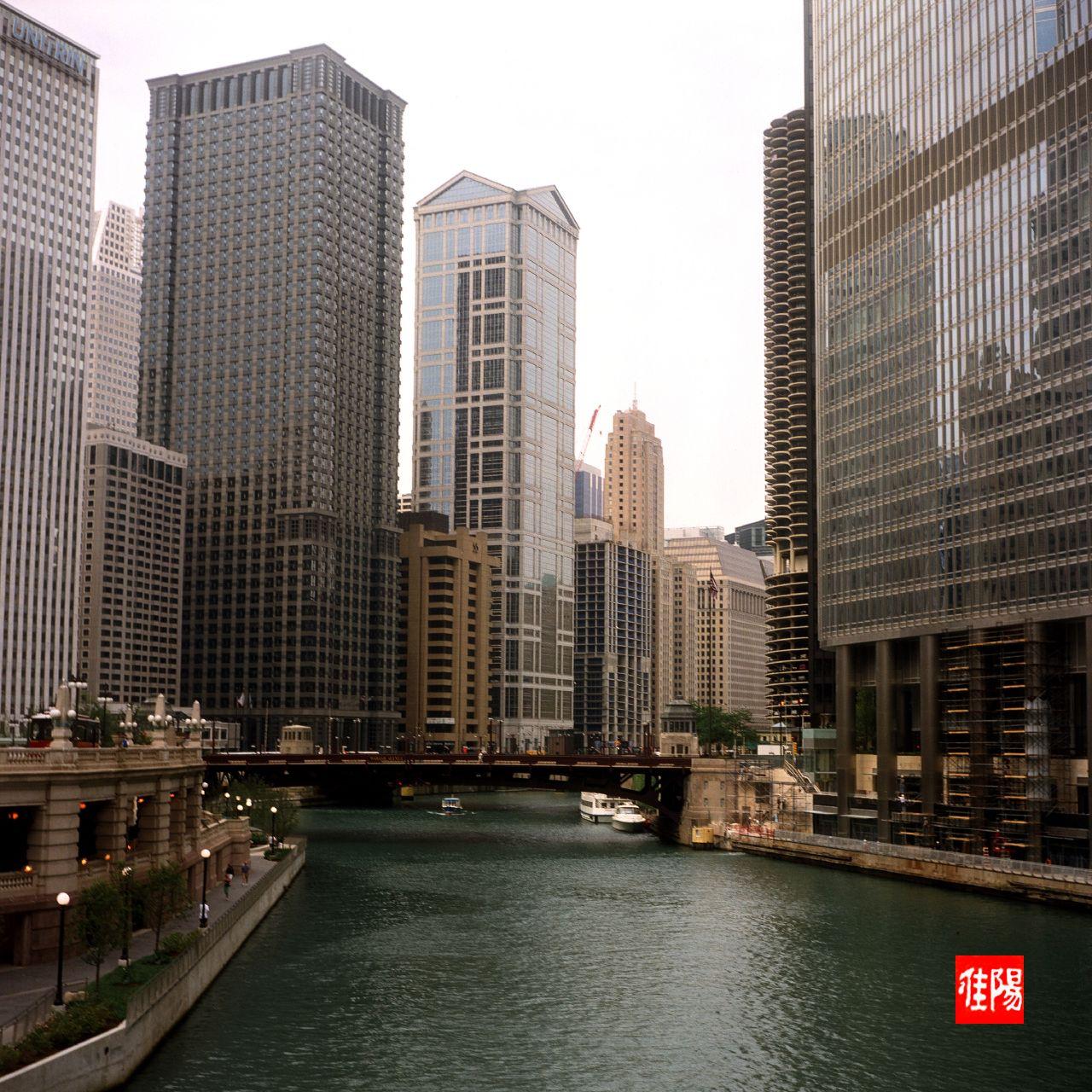 ArgusAF40_Chi-ChicagoRiver_SWest01