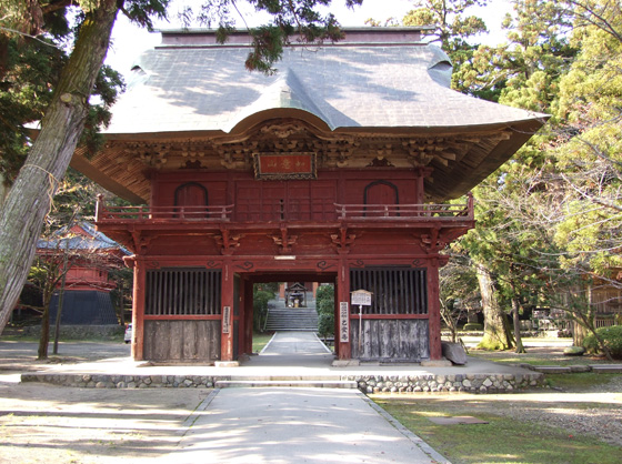 The main gate of a Buddhist temple
