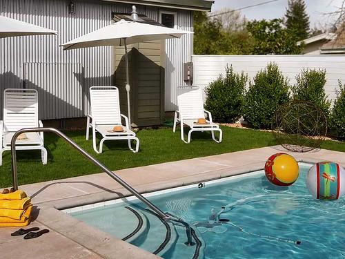 healdsburg pool