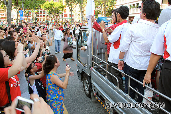 Lina Chiam waving to supporters
