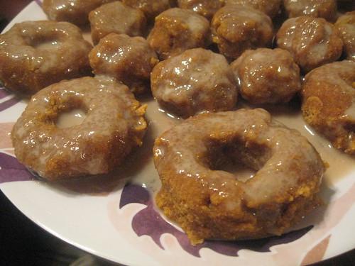 Raw Apple Cider Pumpkin Donuts